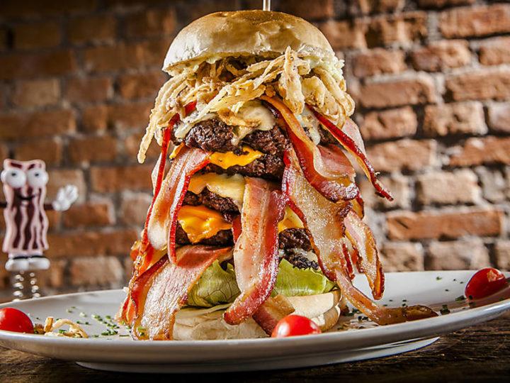 Propaganda com hambúrguer diferente do real é suspensa na Inglaterra