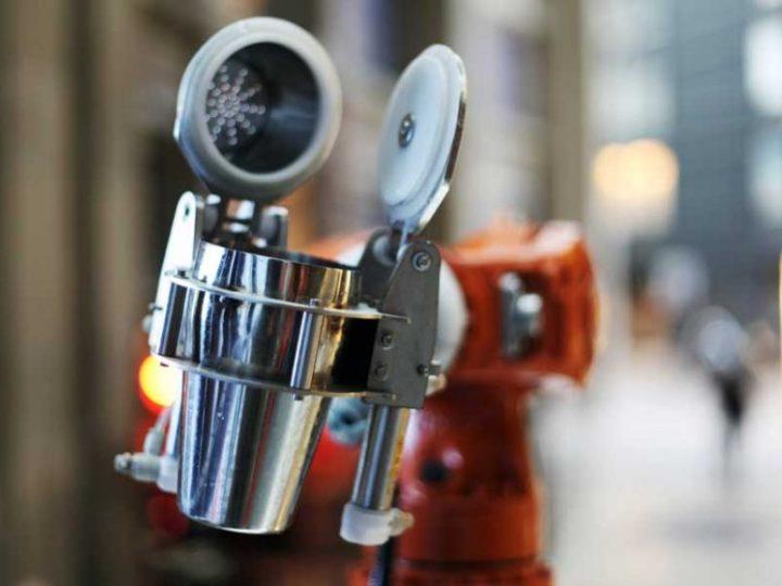 Conheça Makr Shakr, o garçom robô