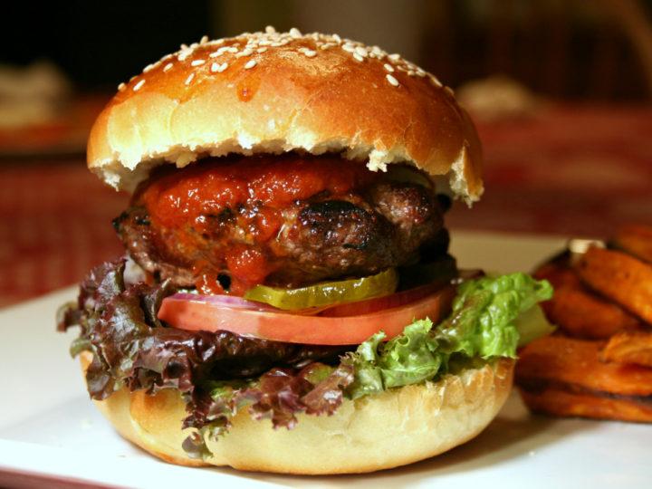 28 de maio é o Dia do Hambúrguer!