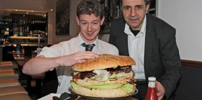 O maior hambúrguer da Inglaterra