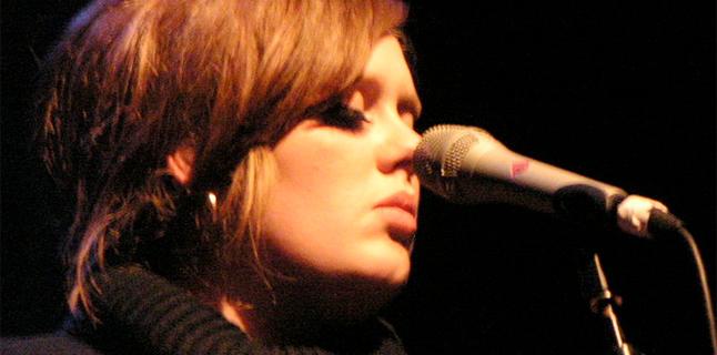 Adele pode lançar linha plus size