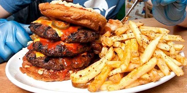 """Você encararia um hambúrguer """"superpicante""""?"""