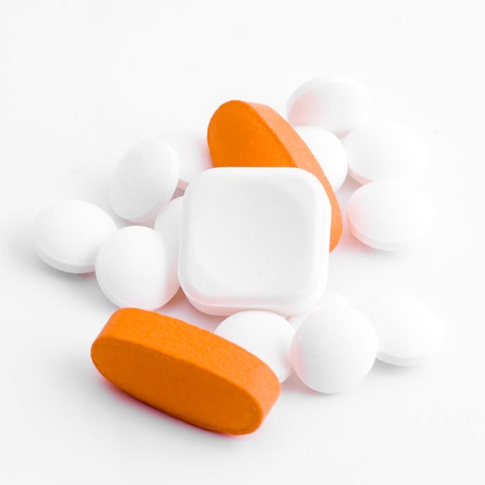 Muita gente acredita que a melhor saída para parar de comer e tentar preencher o vazio emocional é tomar remédios.