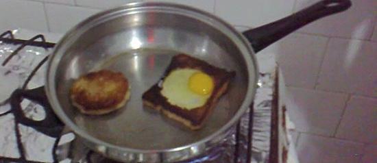O verdadeiro pão com ovo (dos nerds)