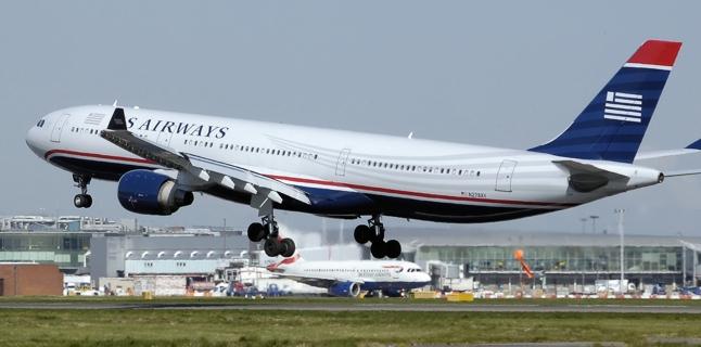 """Gordo """"obriga"""" um passageiro a viajar em pé no avião"""